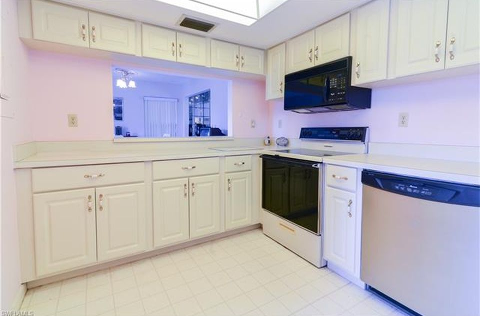 Kitchen Cypress Condo